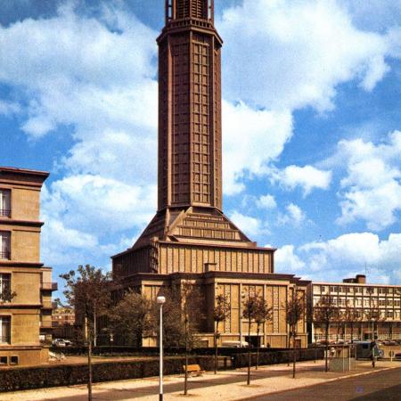 L'église Saint-Joseph achevée, années 1950
