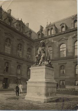 Statue de Bernardin de Saint-Pierre