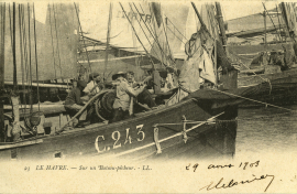 Sur un bateau-pêcheur