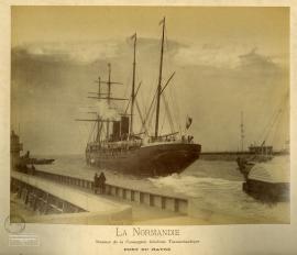 La Normandie. Steamer de la Compagnie générale transatlantique. Port du