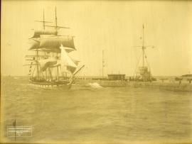Le Havre, la jetée au moment de la marée