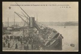 """L'échouement en Garonne du Paquebot des M.M. """"Le Chili"""", le 24 avril 1903."""