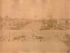 Tramway sur rails place de la Mâture, fin XIXe siècle (7Fi81)