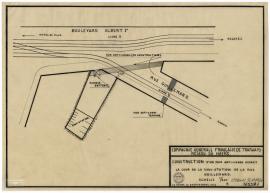 Construction d'un mur anti-chars devant la cour de la sous-station de la rue Guillemard, 1942 (2Fi414)