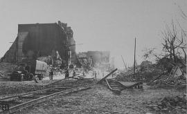 Le Havre, après les bombardements, septembre 1944. Rue de Paris (60Fi354)